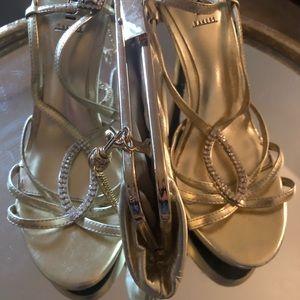 Gianni Bernini gold clutch & gold Bakers shoes